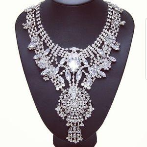 The LOREN Necklace